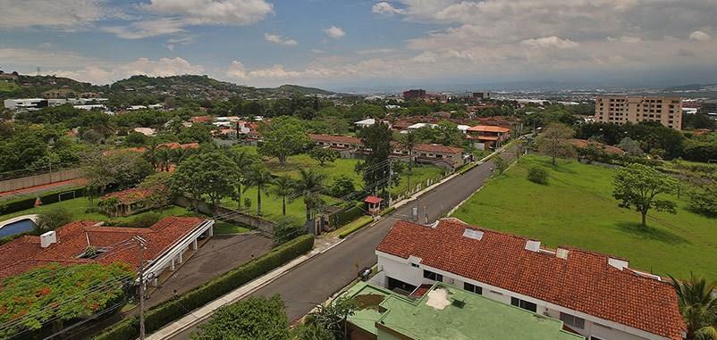 Remax real estate, Costa Rica, Escazú, Hermoso Apartamento para la Renta Amueblado