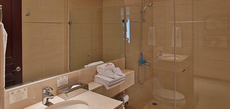Remax real estate, Costa Rica, Escazú, Two Bedroom Condominium For Rent
