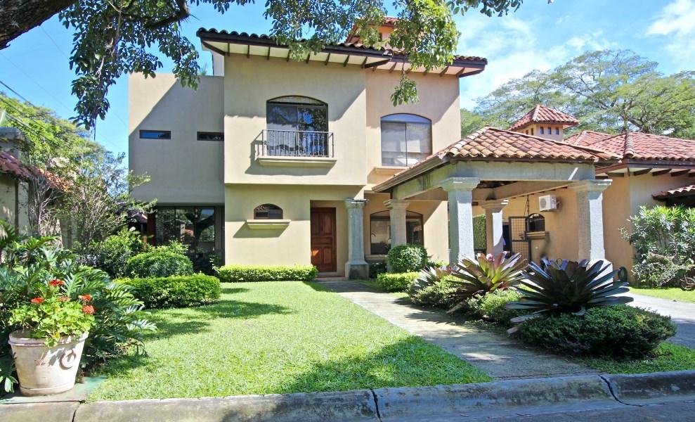 Remax real estate, Costa Rica, Santa Ana - Pozos - Lindora, Pinewood Cove