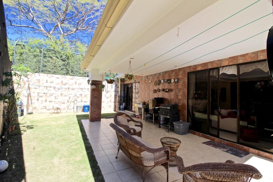Remax real estate, Costa Rica, Santa Ana, Casa Catalano