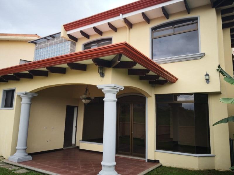 Remax real estate, Costa Rica, Montes de Oca - Sabanilla, Venta de Casa en Sabanilla