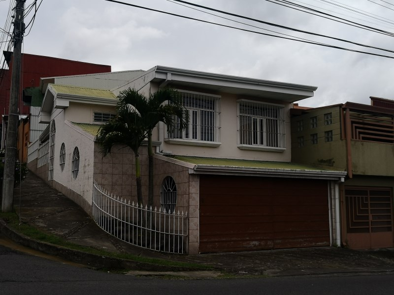 Remax real estate, Costa Rica, Goicochea - Calle Blancos - Barrio Montelimar, Excellent commercial property for sale