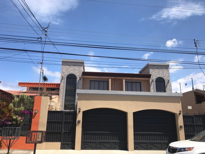 Remax real estate, Costa Rica, Santo Domingo de Heredia, Dos Apartamento Gemelos
