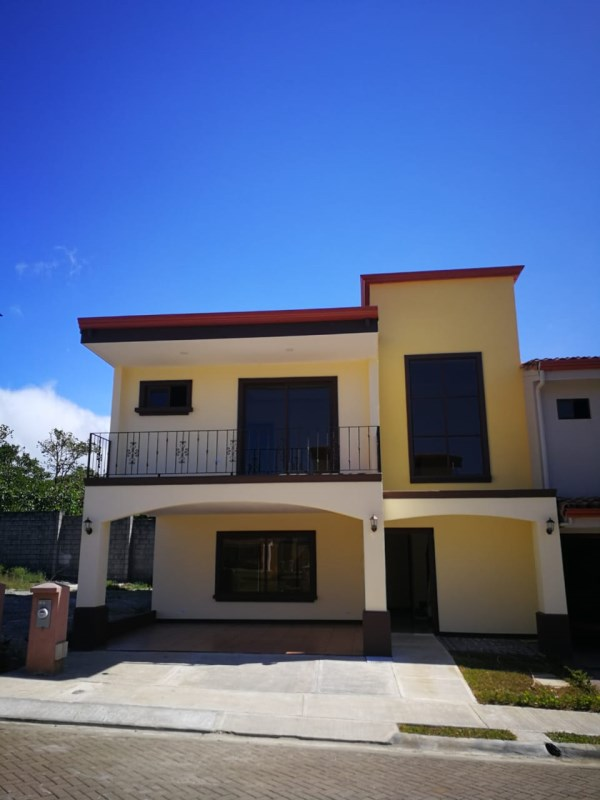 Remax real estate, Costa Rica, Santo Domingo de Heredia, Custom Made Beauty