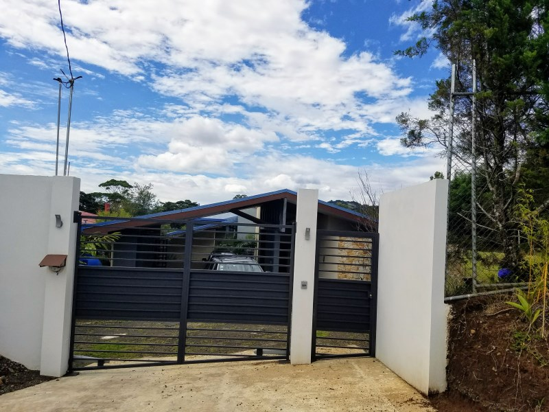 Remax real estate, Costa Rica, Barva, HOUSE WITH STYLE AMAZING VIEW  SAN ISIDRO HEREDIA HOUSE WITH OWN STYLE AMAZING VIEW Concepción San Isidro HEREDIA