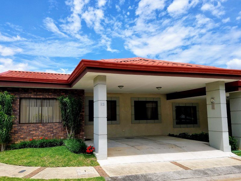 Remax real estate, Costa Rica, San Pablo, ! A Friendly Home thought of you! Cozy House in Condominium  Excellent Point - San Pablo  HEREDIA