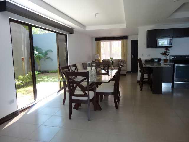 Remax real estate, Costa Rica, Santa Ana - Río Oro de Santa Ana, Condo NewTown House
