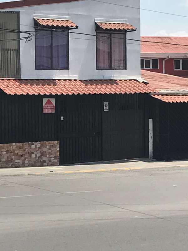 Remax real estate, Costa Rica, Vázquez de Coronado,  San Antonio de Coronado House and Apartaments  in a very  populated Comercial zone.