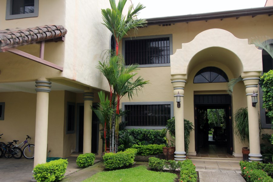 Remax real estate, Costa Rica, Santa Ana - Río Oro de Santa Ana, Town HOUSE en San Ana ,Vista de Oro