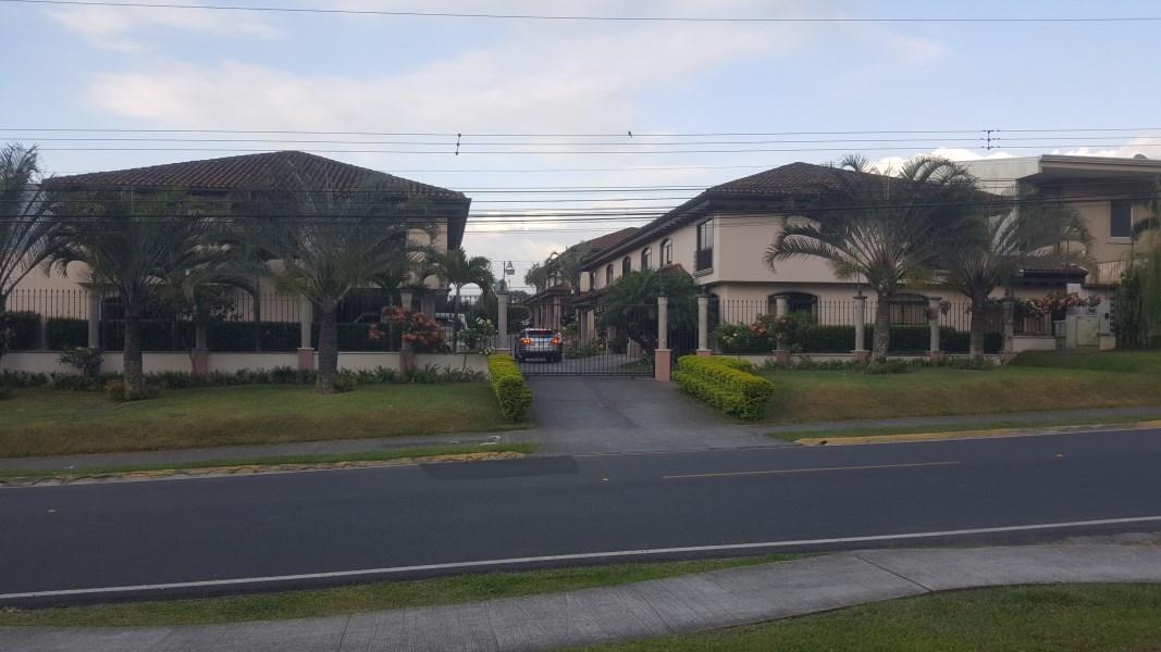 Remax real estate, Costa Rica, Escazú - San Rafael de Escazú - Barrio Trejos Mont, TREJOS MONTEALEGRE  CONDO HOUSE