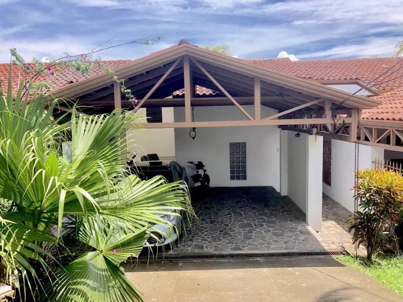 Remax real estate, Costa Rica, Mora, The Chameleon House