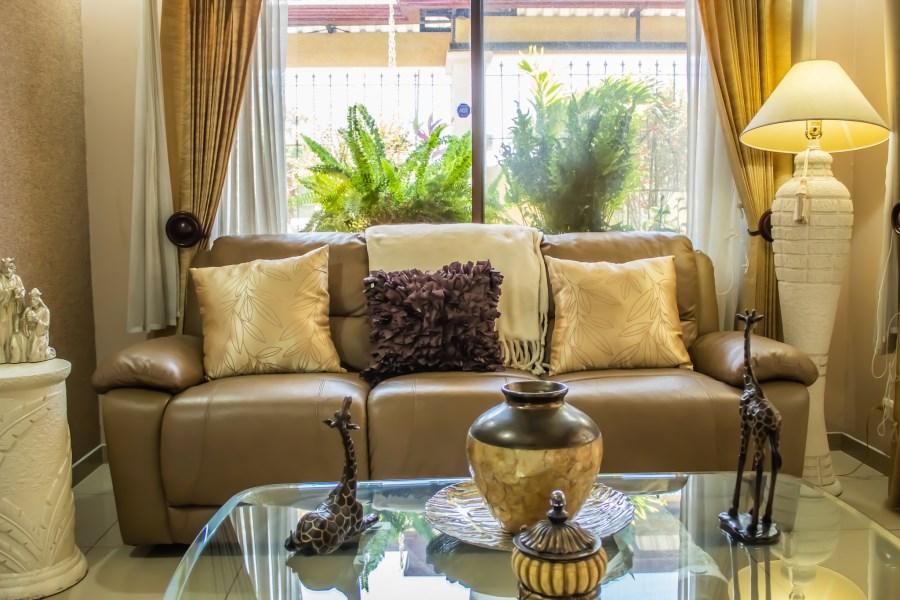 Remax real estate, Costa Rica, Alajuela, Warm & Lightfull house in San Rafael, Alajuela