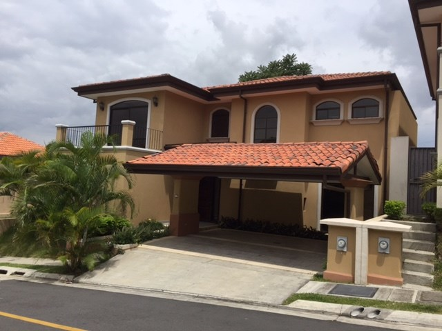 Remax real estate, Costa Rica, Escazú - San Rafael de Escazú - Guachipelín, CUSTOM DESIGNED CONDOMINIUM HOME IN GATED COMMUNITY