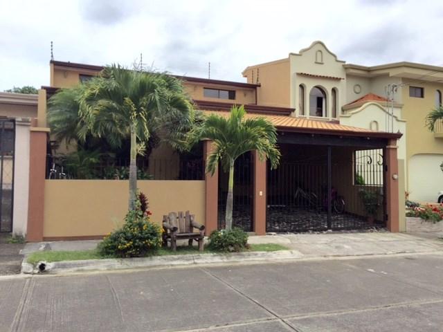 Remax real estate, Costa Rica, Santo Domingo de Heredia, CUSTOM DESIGNED ONE STORY HOME