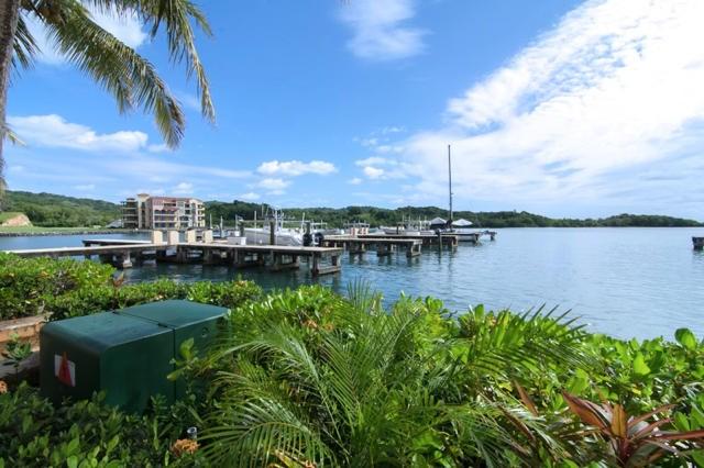 Remax real estate, Honduras, Roatan, Luxury Villa ExquisiteMarina Front
