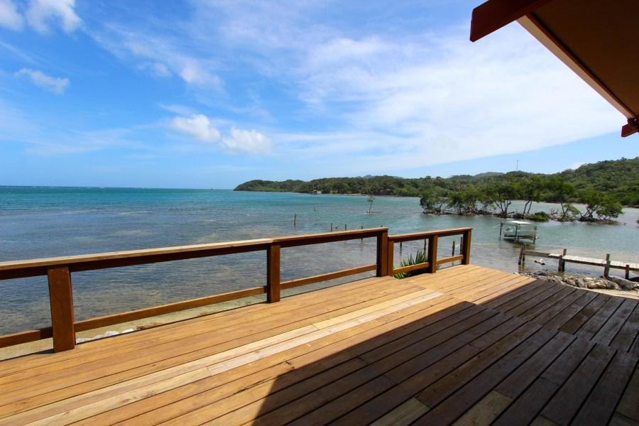 Remax real estate, Honduras, Roatan, Beachfront Home RentalPunta Blanca