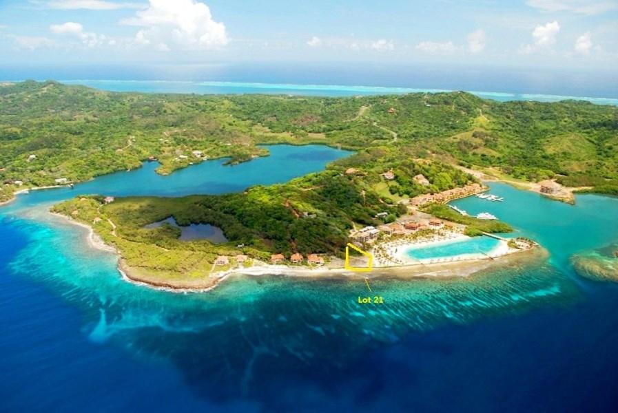 Remax real estate, Honduras, Roatan, Lot 21  BEACHParrot Tree Oceanfront