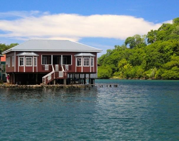 Remax real estate, Honduras, Roatan, Waterfront HomeBlue Rock Value