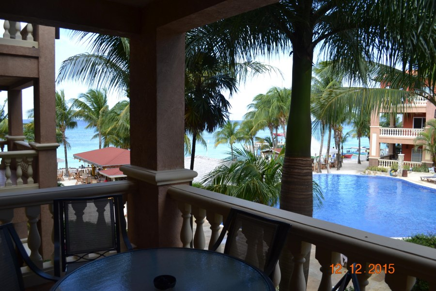 Remax real estate, Honduras, Roatan, West Bay RoadInfinity Bay Condo 203