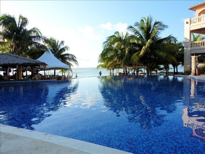Remax real estate, Honduras, Roatan, West Bay RoadInfinity Bay Condo 1705