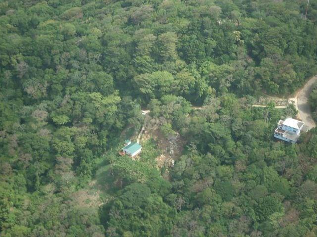 Remax real estate, Honduras, Roatan, .93 Acres West Bay RoatanMoon Cliff  Lot  8