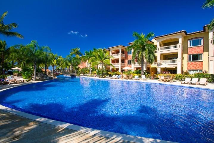 Remax real estate, Honduras, Roatan, 2 Bedroom 2 Bath  1388 sq ftInfinity Bay Condo 1509