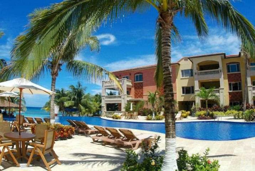 Remax real estate, Honduras, Roatan, 2 Bed 2 Bath  West Bay BeachInfinity Bay Condo 605