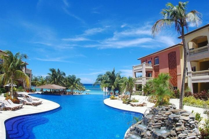 Remax real estate, Honduras, Roatan, 1 Bed 1 Bath West BayInfinity Bay Condo 601