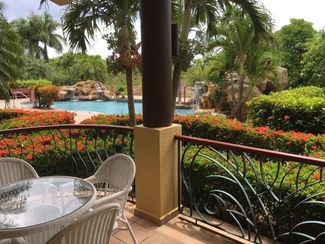 Remax real estate, Honduras, Roatan, 2 bed 2 bath French HarborPineapple Villas  111