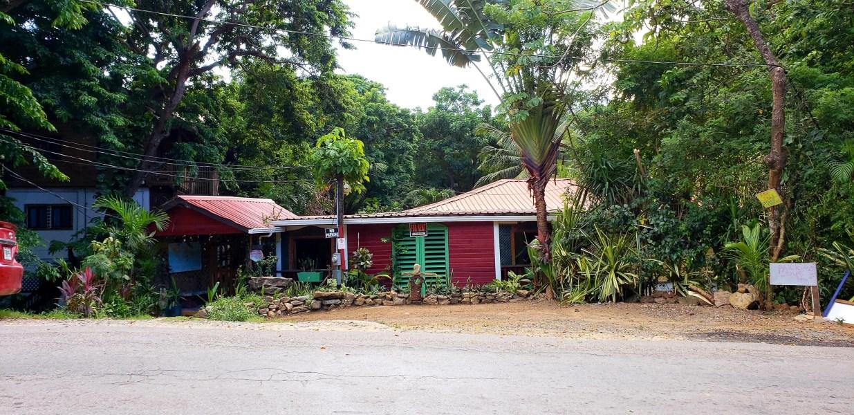 Remax real estate, Honduras, Roatan, 3 minutes walk to the BeachMixed use Property