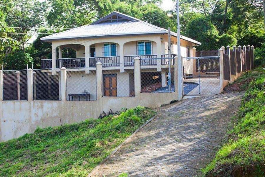 Remax real estate, Honduras, Roatan, Oak RidgeCasa Colina