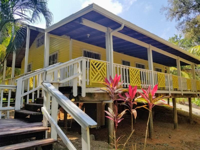 Remax real estate, Honduras, Roatan, Sandy BayIsland House on Spacious Lot