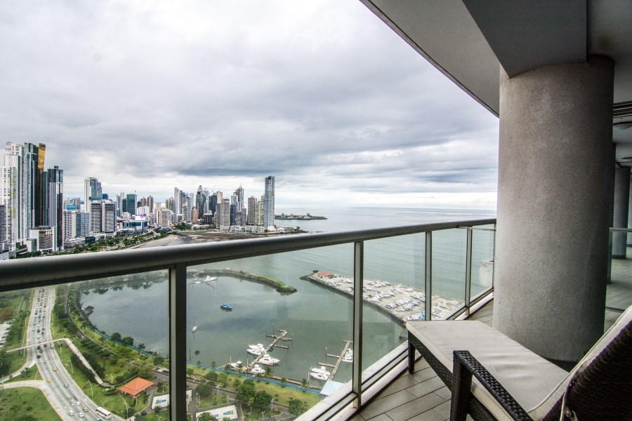 Remax real estate, Panama, Panamá - Bella Vista, LUXURIOUS UNIT IN YACHT CLUB, THE BEST VIEW!