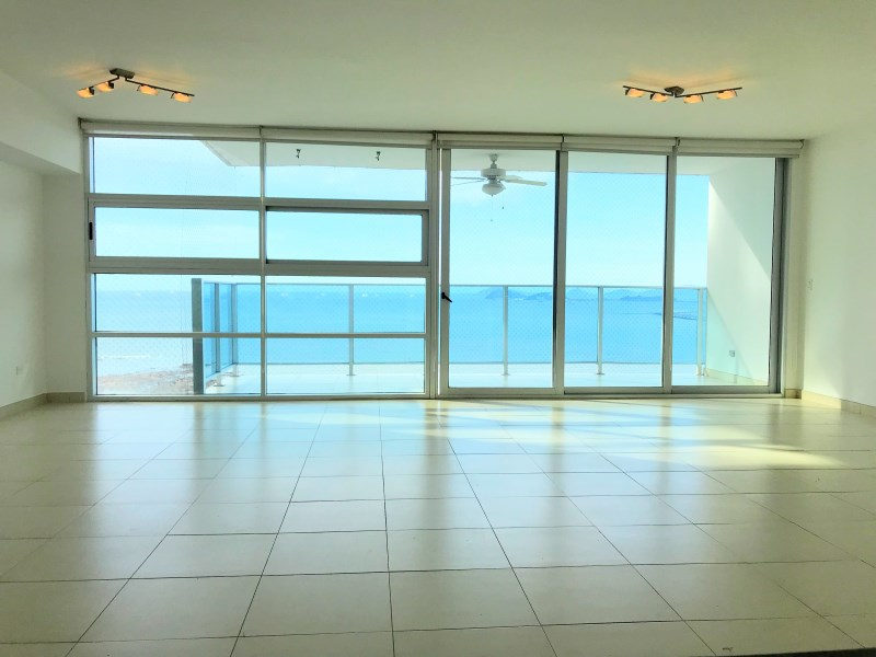 Remax real estate, Panama, Panamá - Avenida Balboa, 