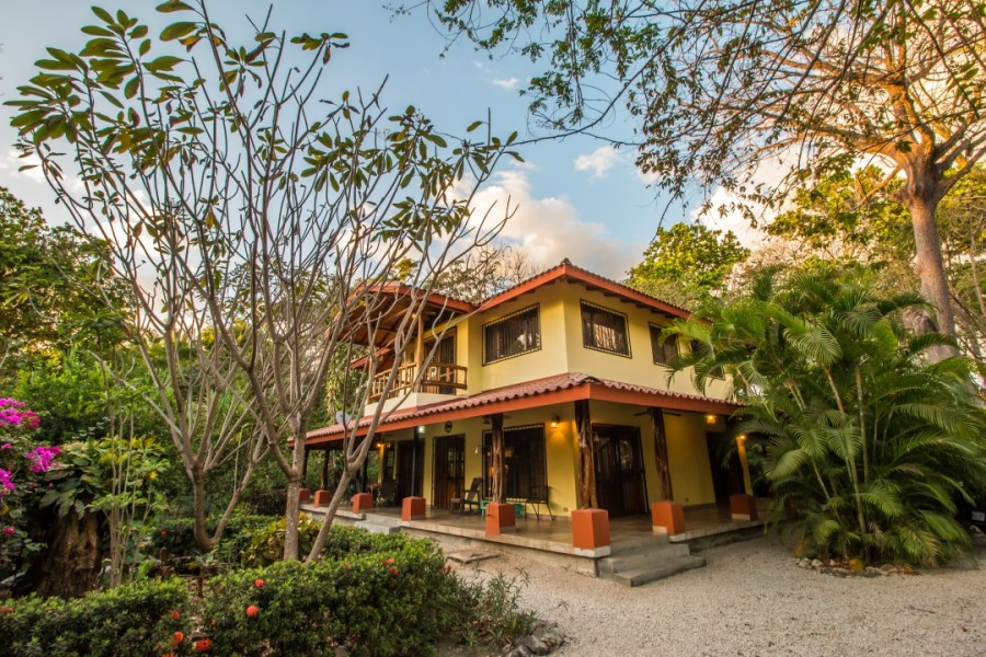Remax real estate, Costa Rica, Nosara, Casa Libelula - A Tropical Style Beach Front House in North Guiones