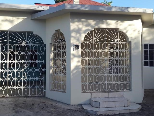 RE/MAX real estate, Jamaica, Savanna-la-Mar, lovely 3 bedroom 2 bath home FOR SALE MLS#21316