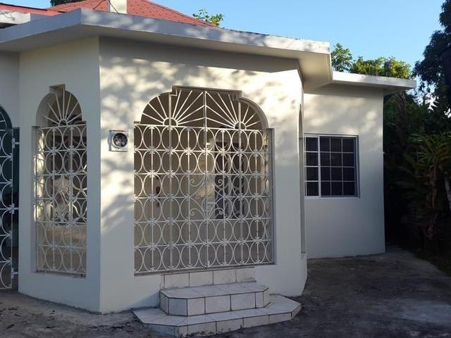 RE/MAX real estate, Jamaica, Savanna-la-Mar, lovely 3 bedroom 2 bath home FOR SALE MLS#21316