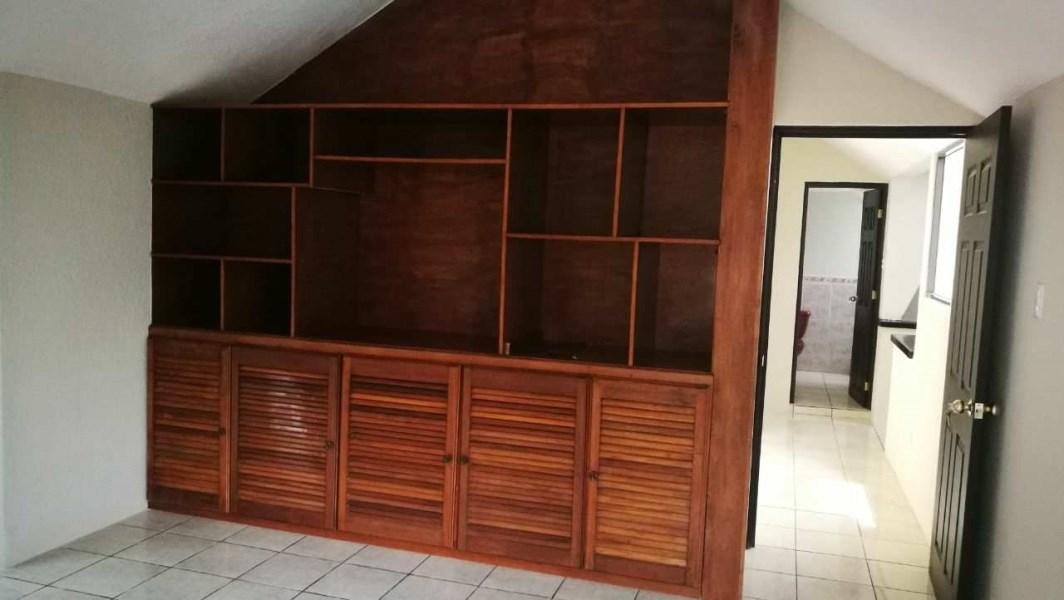 Remax real estate, Guatemala, Guatemala City, VENTA DE LINDA CASA CARRETERA A SAN LUCAS DENTRO DE CONDOMINIO CON 5 DORMITORIOS