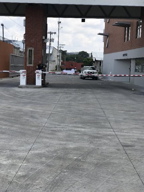Remax real estate, Guatemala, Guatemala City, ALQUILO OFIBODEGA DE 508.91MT2 EN ZONA 4 DE MIXCO EL NARANJO