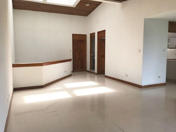 Remax real estate, Guatemala, Guatemala City, VENTA DE BONITA CASA CON AMPLIO JARDÍN DENTRO DE CONDOMINIO EN CARRETERA A EL SALVADOR KM. 15.3