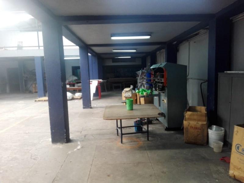 Remax real estate, Guatemala, Guatemala City, ALQUILER DE AMPLIA BODEGA EN ZONA 11 POR MIRAFLORES CON 900 MTS2. IDEAL OFICINAS O CALL CENTER