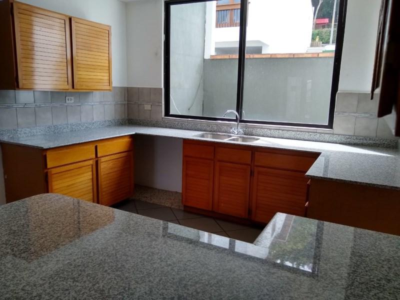 Remax real estate, Guatemala, Guatemala City, ALQUILO CASA GRANDE EN CONDOMINIO CON MUCHA SEGURIDAD EN CARRETERA A EL SALVADOR