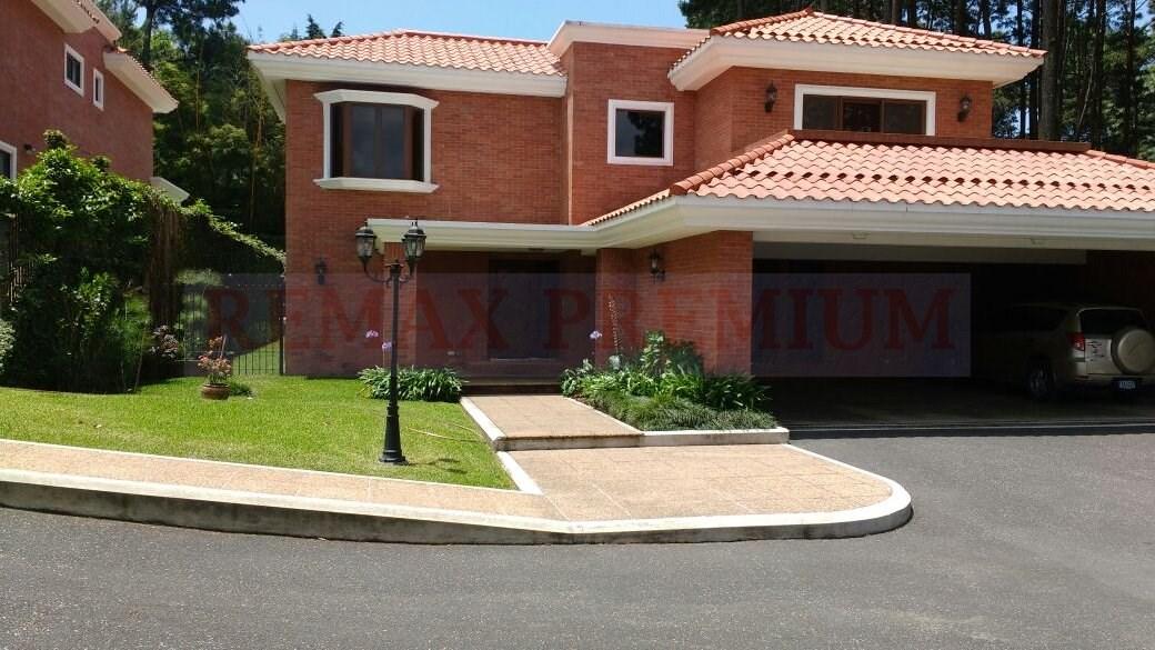 Remax real estate, Guatemala, Guatemala City, ALQUILER DE CASA ELEGANTE EN CONDOMINIO MUY EXCLUSIVO CON AMPLIO JARDIN