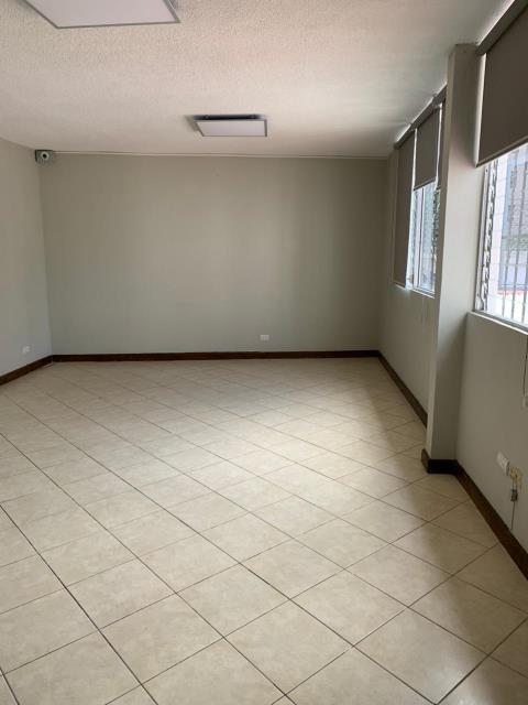 Remax real estate, Guatemala, Guatemala City, ALQUILO CASA ZONA 14 AMPLIA DE CUATRO DORMITORIOS