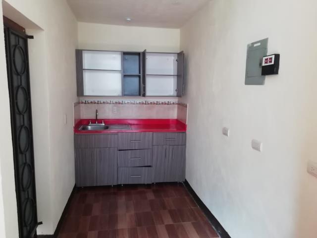 Remax real estate, Guatemala, Guatemala City, ALQUILO APARTAMENTO ZONA 01 DE UN DORMITORIO