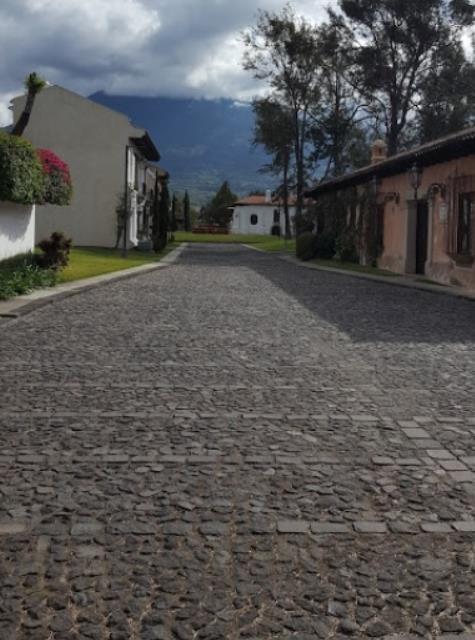 Remax real estate, Guatemala, Guatemala City, VENDO TERRENO BOSQUES DE ANTIGUA DE 1,366 VR2