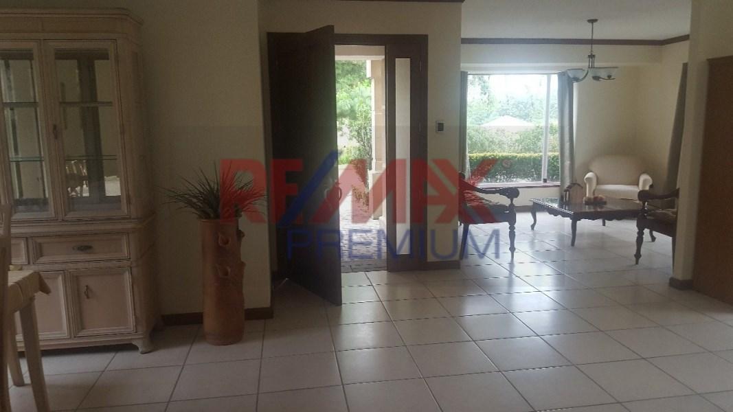 Remax real estate, Guatemala, Guatemala City, VENDO BONITA CASA EN CONDOMINIO ALTOS DE CARMEL