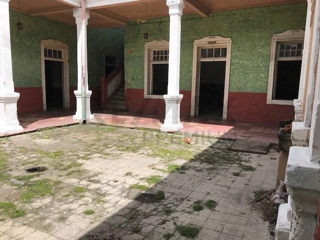 Remax real estate, Guatemala, Guatemala City, VENDO AMPLIA CASA PARA COLEGIO HOSPITAL U HOTEL EN ZONA 1