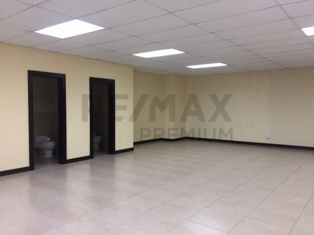 Remax real estate, Guatemala, Guatemala City, ALQUILO OFICINA EN EDIFICIO DUBAI CENTER