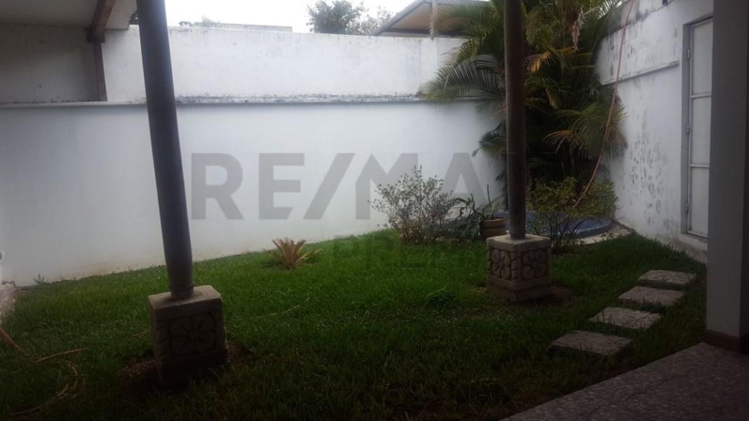 Remax real estate, Guatemala, Guatemala City, ALQUILO PROPIEDAD EN ZONA 13 ENTRE AV. LAS AMÉRICAS Y AV. HINCAPIE IDEAL PARA OFIBODEGA U OFICINAS